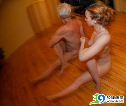 裸体冥想瑜伽让身体100%放松