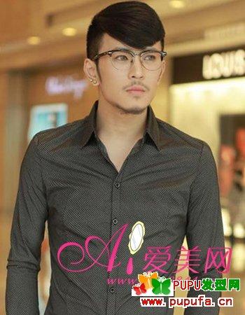 2013潮流男士刘海发型图片 男生发型图片分享